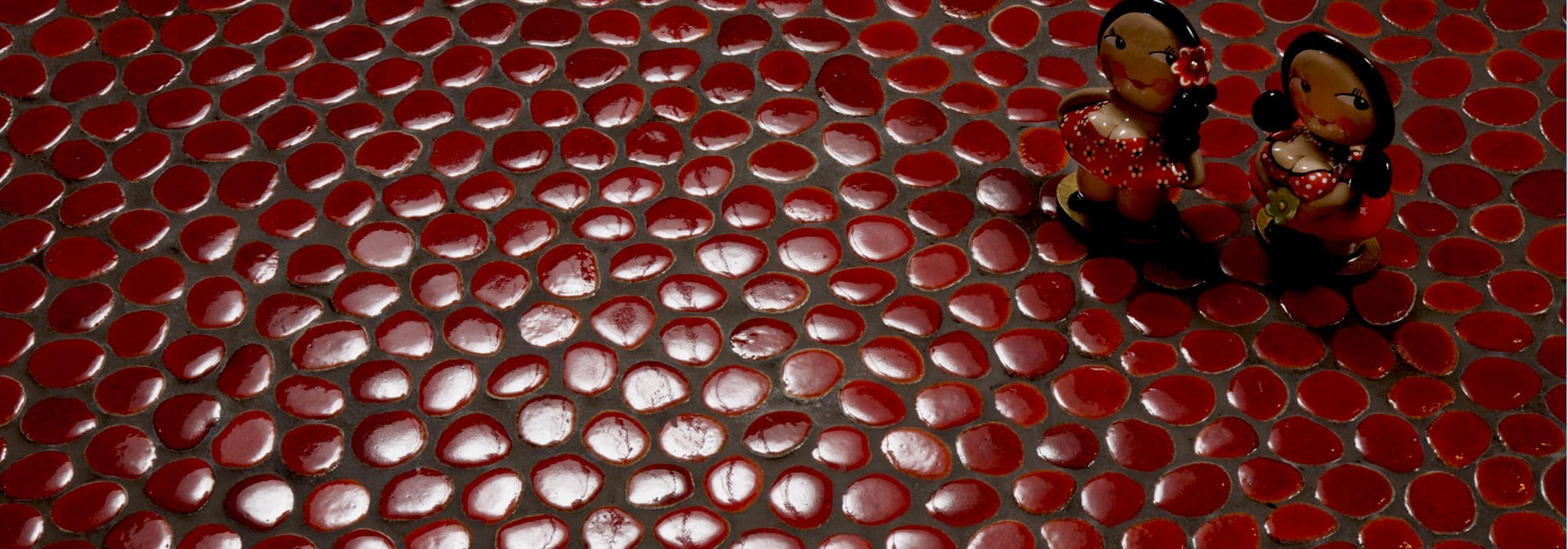 פסיפס קרמיקה בועות אדום by Milstone