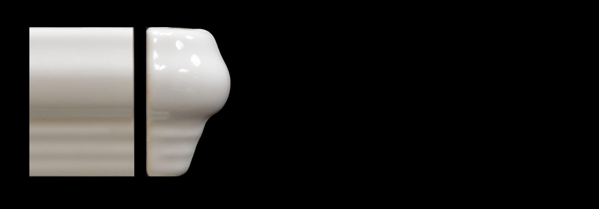 פינה לקרניז קרמיקה לבן מבריק (דגם 5) 4.5*30 by Milstone