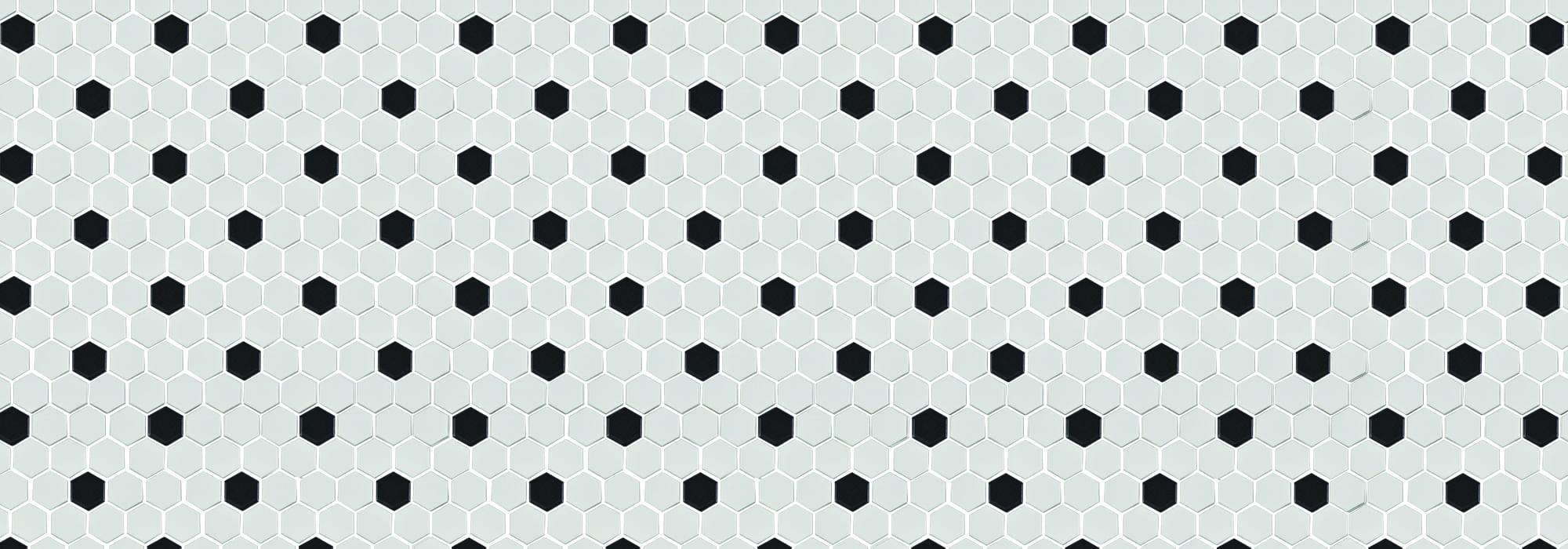 פסיפס משושה לבן עם נקודה שחורה מט 2.3*2.6*0.6 (רשת 26*30) by Milstone